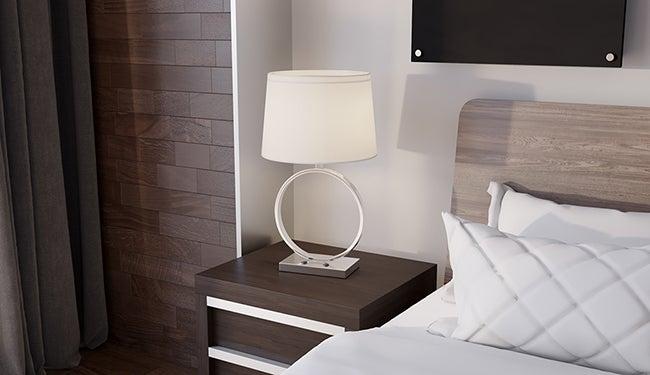 HotelRoom01_650X375
